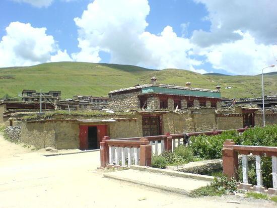 Litang Town & Monastery Walk (3)