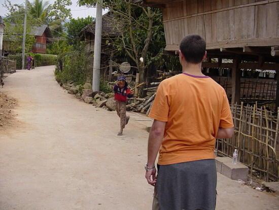 Mengla Market Village N Walk (16)