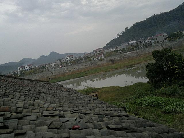 Jishui River Walk & Cuisine