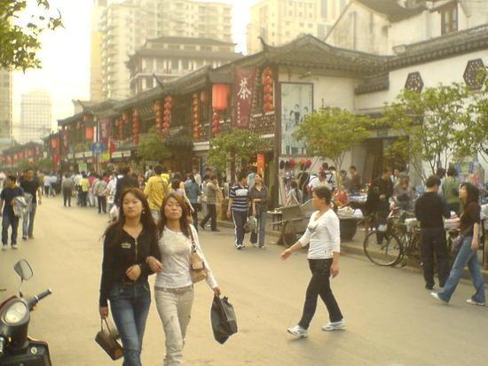 Shanghais Museums Bazaars & Bars (8)