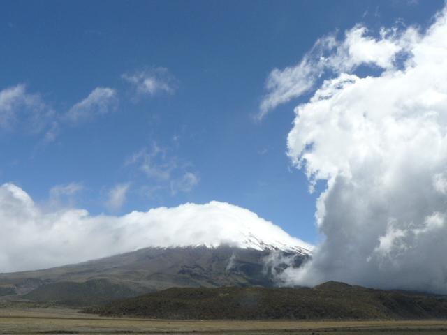 Eddies of cloud