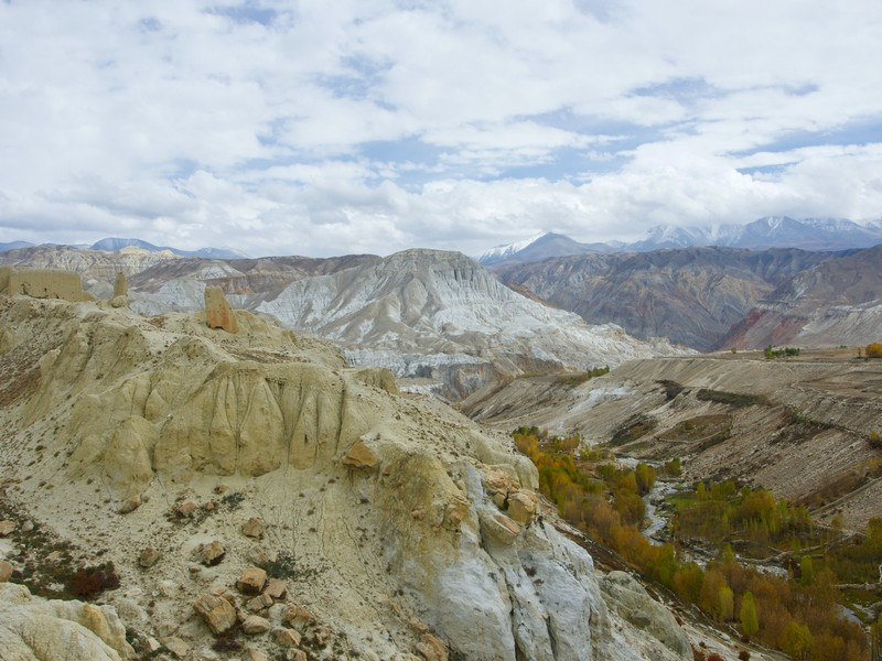 Coming back from Chhoser toward Lo Manthang