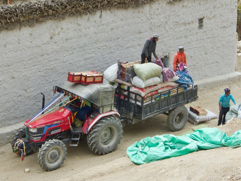 Chhoser delivery from China