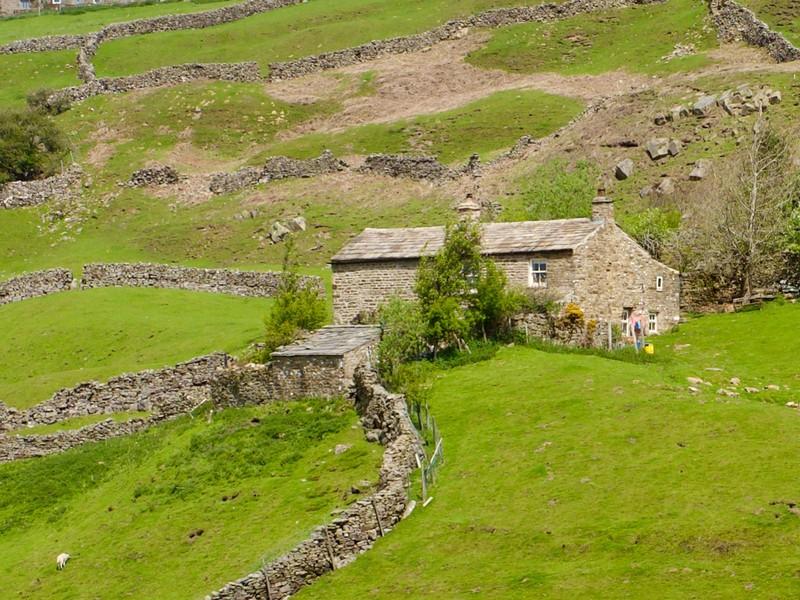 Remote house above Gunnerside
