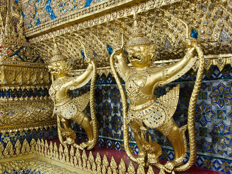 Gold guardian, Grand Palace