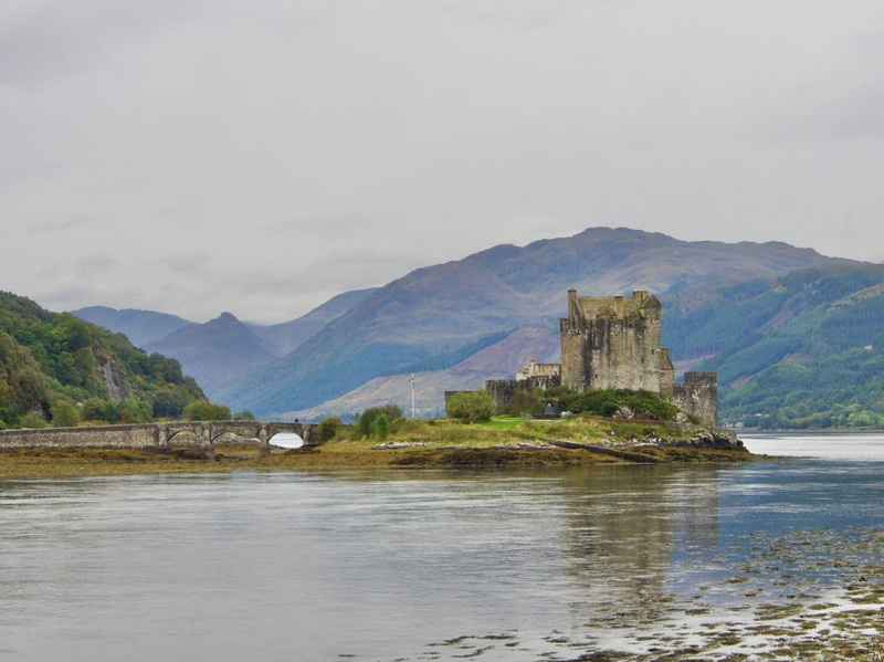 Eilean Donan Castle, where 3 sea lochs meet, frequently appears in films, doc etc