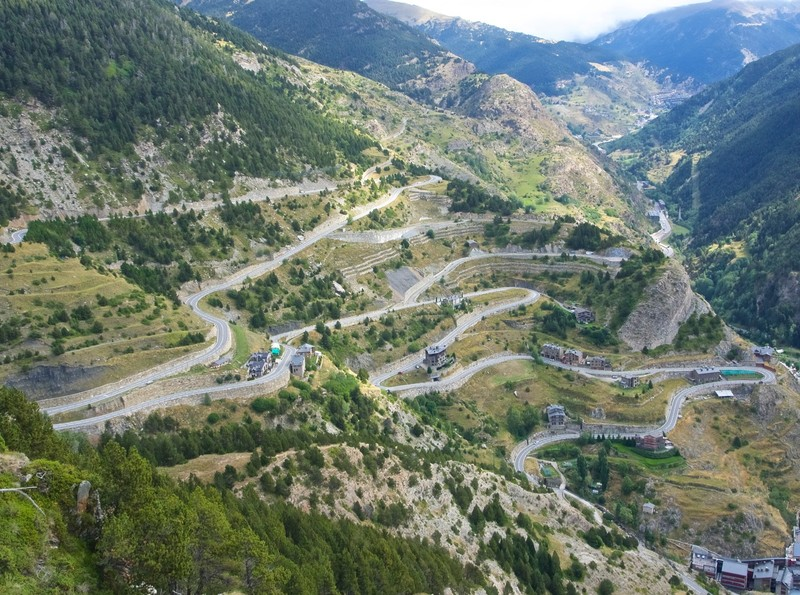 Drive up to the mirador Del Roc del Quer from Canillo