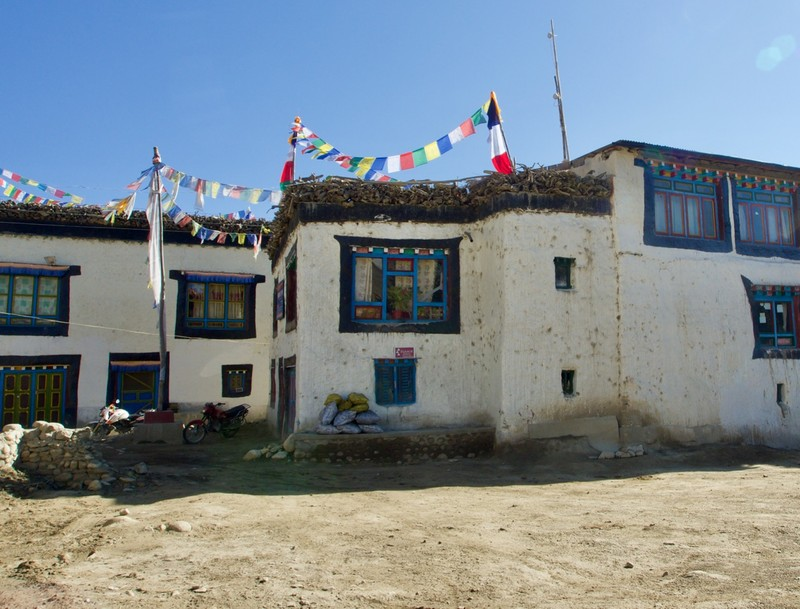 Hotel in Charang