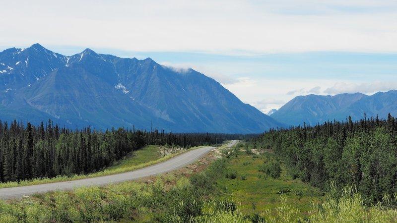 Alaska Highway Northbound pas Whitehorse