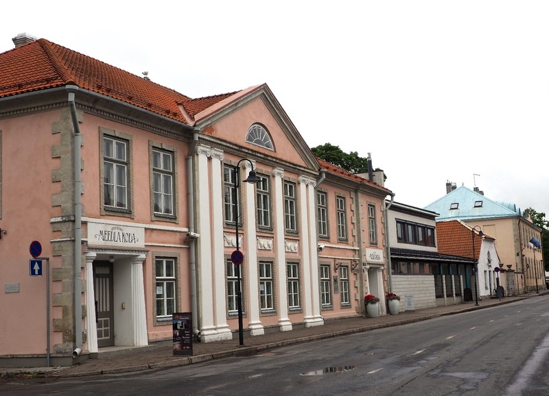 Kuressaare Street on monday late morning