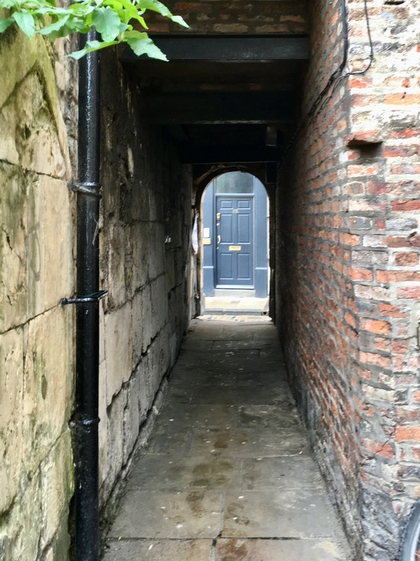 Shortest Street in York