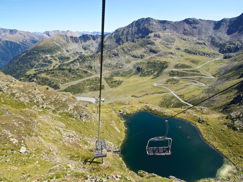 Chair lift to El Pic de Peyreguils at 2700m
