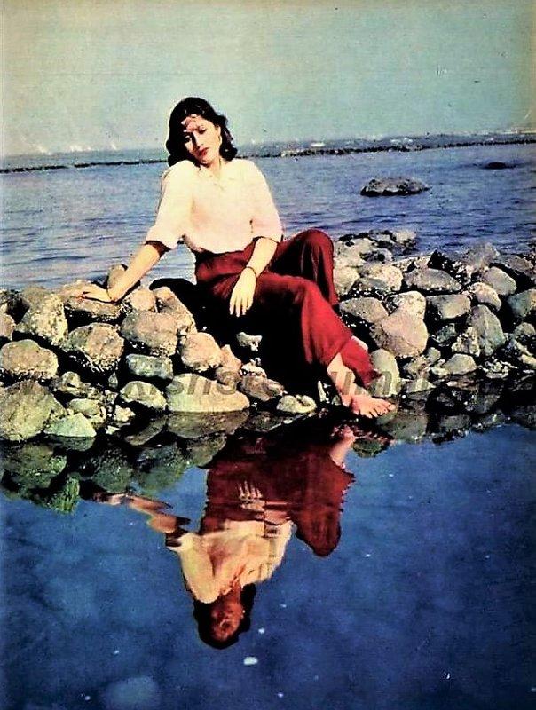 madhubala-lake-reflection