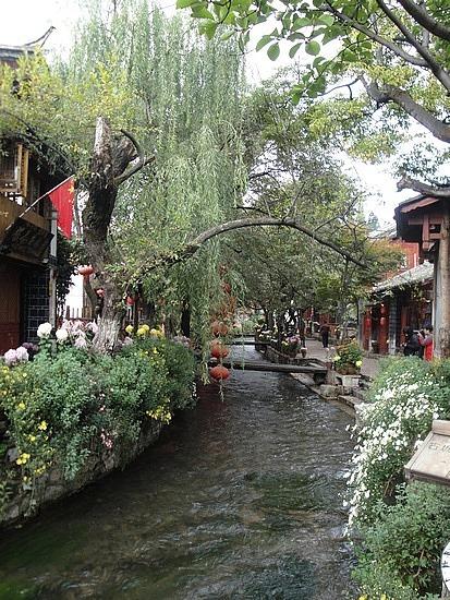 Shops, Inns & Restaurants beside stream
