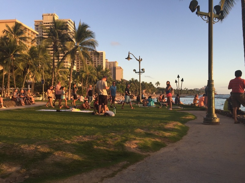 Crowded foreshore along Waikiki