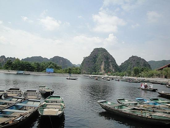 Boats at Tam Coc