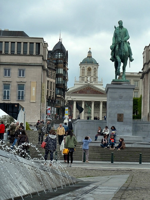 Fountains, statues and cool buildings