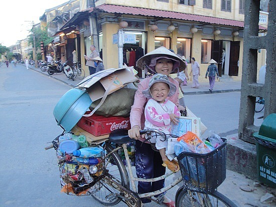 Cutest smiling baby & Mum collects recycling