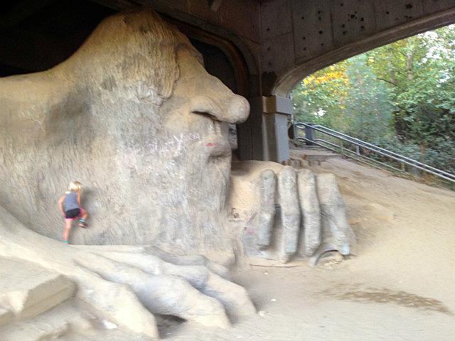 Alaiya climbing the troll