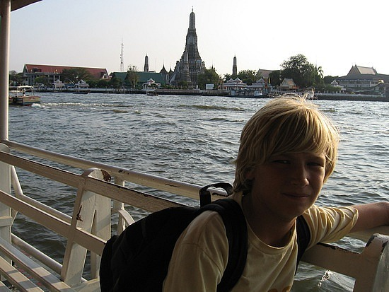 Wat Arun over the river