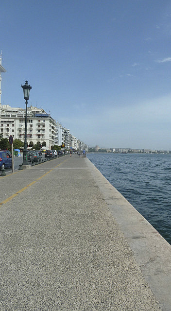 Promenade to White Tower