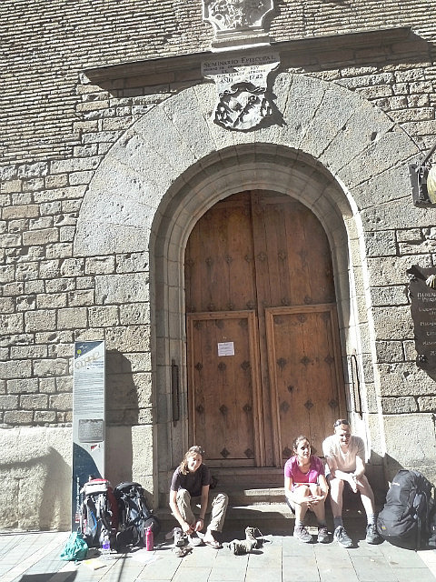 Waiting for albergue doors to open