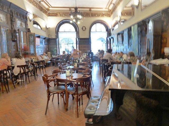 Santiago cafe