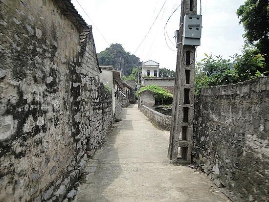 Stone lane ways