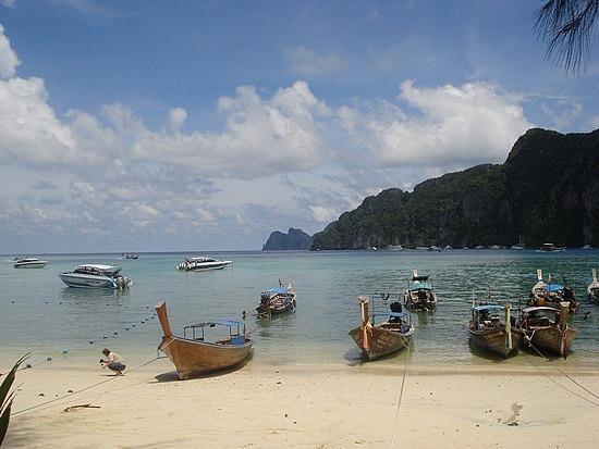 Landing place at Phi Phi Lei Island