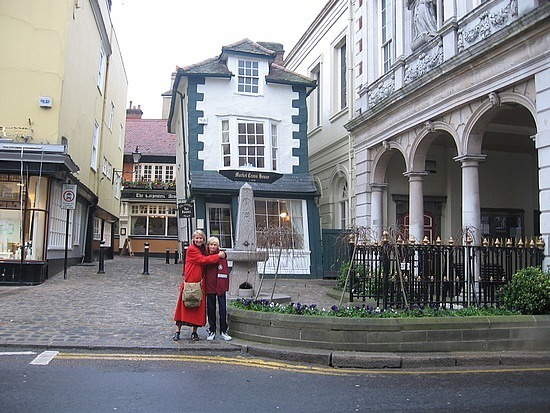 Skinny crooked house