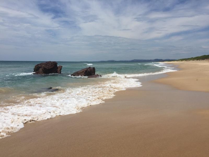 Beachwalk to these rocks