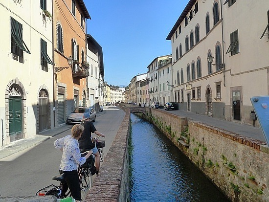 Canal in Lucca- riding into the town