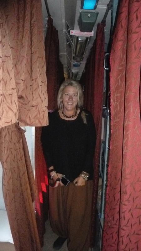 Leigh in the corridor