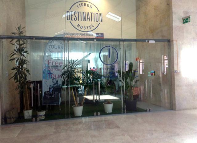 Destination Hostel in Rossion Station