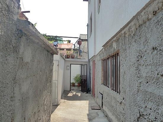 Alley into hostel