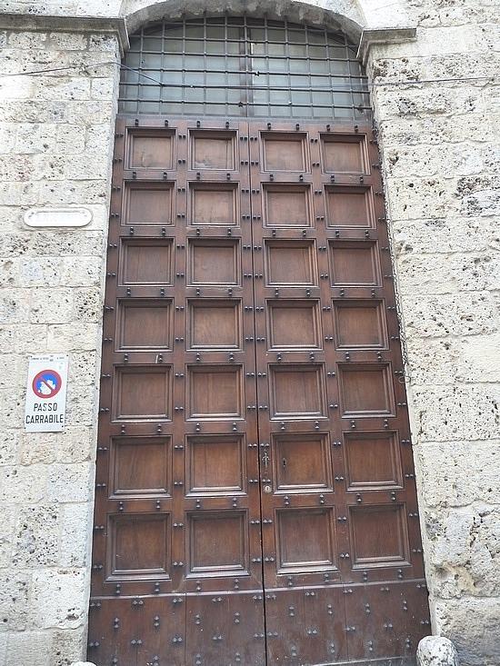 Lov the big heavy wooden doors