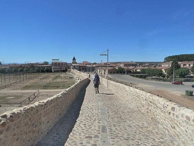 The long bridge into Hospital Orbigo