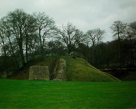 Berkhamsted castle ruins