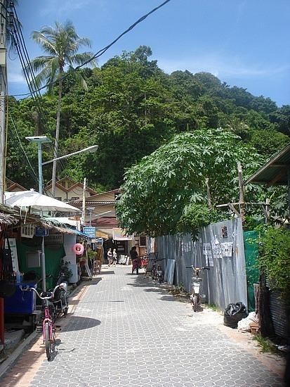 Walk across Phi Phi Don Island