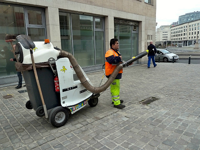 Cool street cleaning vacuum cleaner