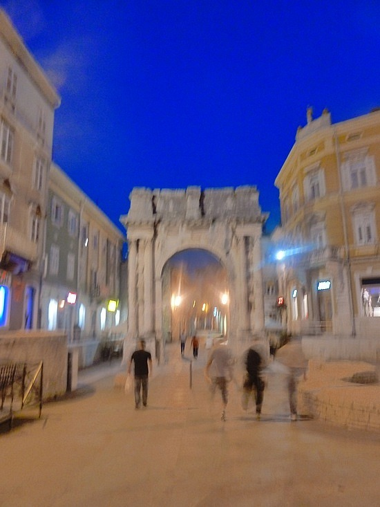Walking the Pula Old town