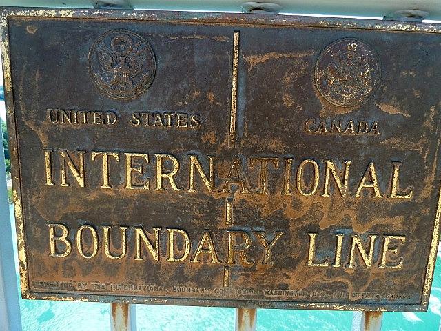 Border on the bridge