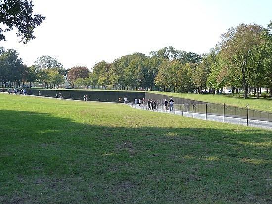 Length of Vietnam war Memorial wall
