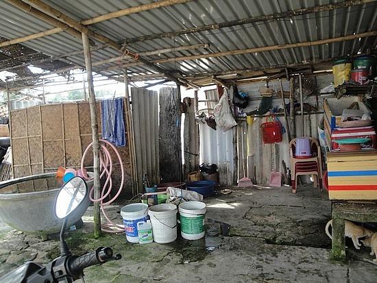 Restaurant family living area