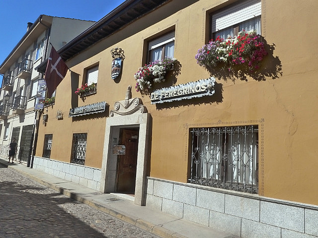 Entrance to Albergue from cobblestoned street