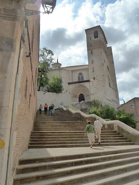 Steps to Estella Church