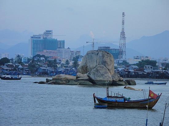 Boats & rocks