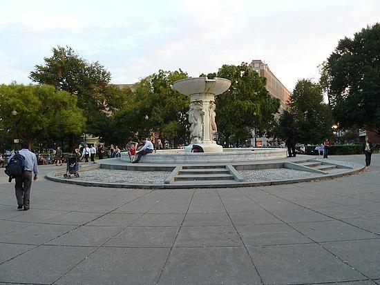 Du Pont Circle park