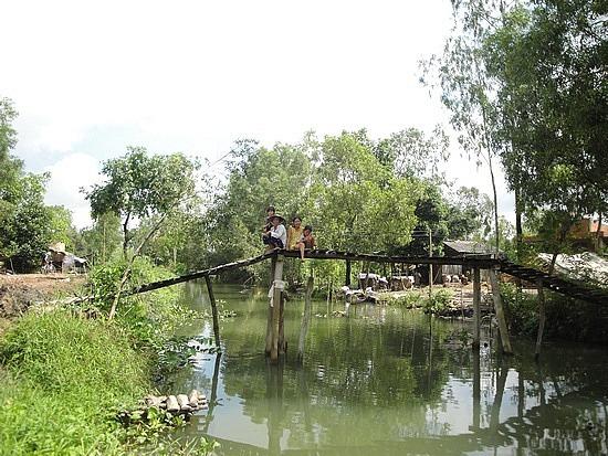 Family on a bridge