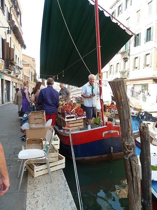 Fruit barge